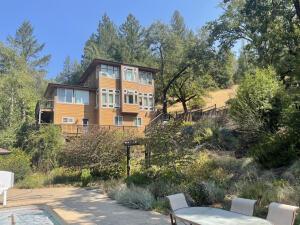 000 Dean Creek Road, Garberville, CA 95542