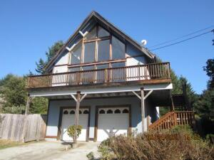 11 Wells Road, Shelter Cove, CA 95589
