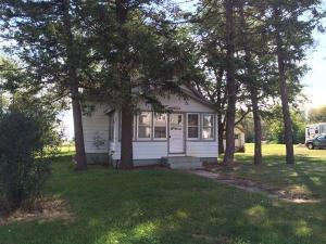 412 Barret Ave. N, Wessington Springs, SD 57382