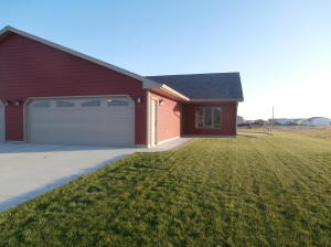 558 22nd Ave SW, Huron, SD 57350