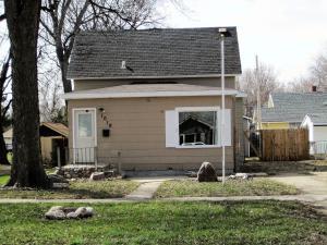 1019 Idaho St SE, Huron, SD 57350