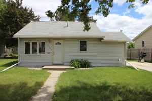 458 Wisconsin Ave NW, Huron, SD 57350
