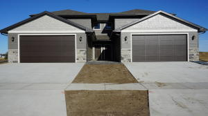 433 26th St SE, Huron, SD 57350