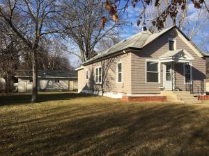 1439 Illinois Ave SW, Huron, SD 57350