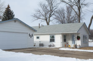 555 Lincoln Ave SW, Huron, SD 57350