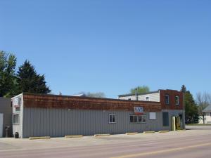107 Lincoln Ave SW, Huron, SD 57350