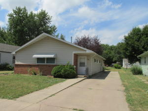 1441 Iowa Ave SE, Huron, SD 57350