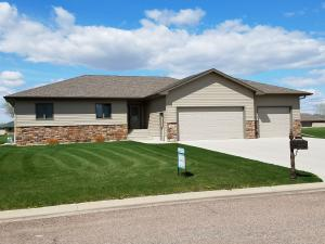 205 South Circle Dr, Huron, SD 57350