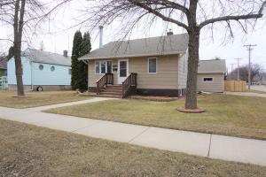 1105 Frank Ave SE, Huron, SD 57350