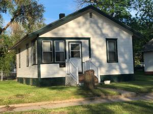584 Wisconsin Ave NW, Huron, SD 57350
