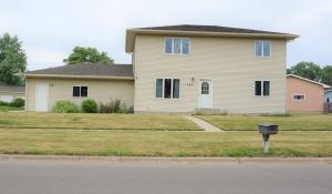 405 18th St SE, Huron, SD 57350