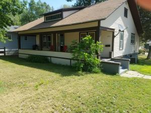 604 Kansas Ave NE, Huron, SD 57350