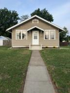 305 Lincoln Ave SW, Huron, SD 57350