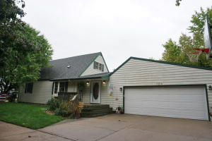124 16th St SW, Huron, SD 57350