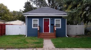 154 Nebraska Ave SW, Huron, SD 57350