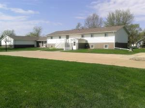 200 S Creek St, Iroquois, SD 57353