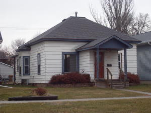 937 Wisconsin Ave SW, Huron, SD 57350