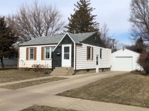 865 11th St SW, Huron, SD 57350