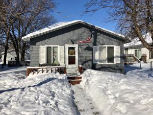 941 Iowa Ave SE, Huron, SD 57350