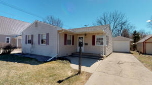 260 11th St SW, Huron, SD 57350