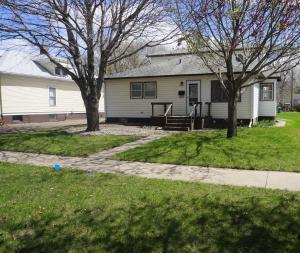 1070 Iowa Ave SE, Huron, SD 57350