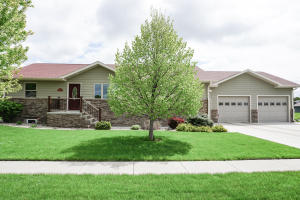 1118 Michigan Ave SW, Huron, SD 57350