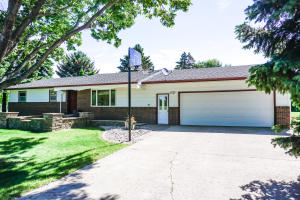 4378 Illinois Ave SW, Huron, SD 57350
