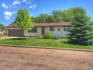 1878 Kansas Ave SE, Huron, SD 57350
