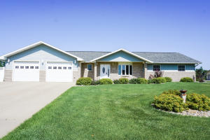 295 9th St NE, Huron, SD 57350