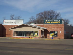 1565 Dakota Ave S, Huron, SD 57350