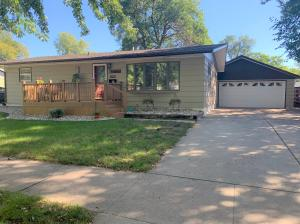 1464 Iowa Ave SE, Huron, SD 57350