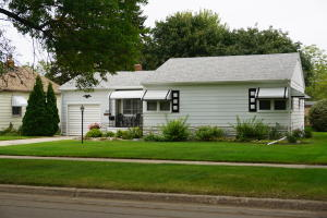 1612 Kansas Ave SE, Huron, SD 57350
