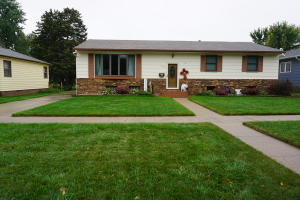 876 11th St SW, Huron, SD 57350