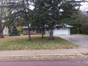 1709 Ohio Ave SW, Huron, SD 57350