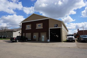 124 2nd St SE, Huron, SD 57350