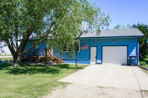 100 E Park St, Iroquois, SD 57353