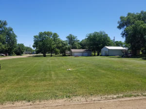 Maple Ave SE, Wolsey, SD 57384
