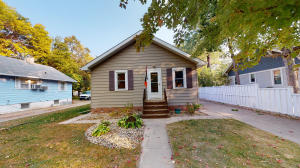 853 13th St SW, Huron, SD 57350