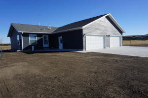 2230 Idaho Ave SE, Huron, SD 57350