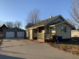 141 Ordway Ave SW, Huron, SD 57350