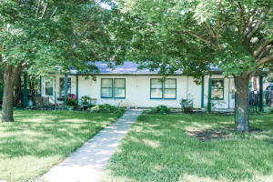 345 & 347 11th St SE, Huron, SD 57350