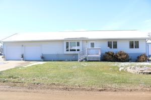 421 S Quapaw St, Iroquois, SD 57353