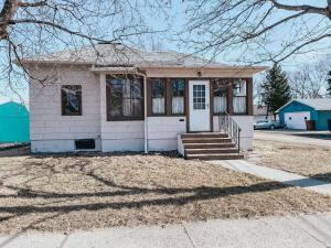 234 Beach Ave SE, Huron, SD 57350