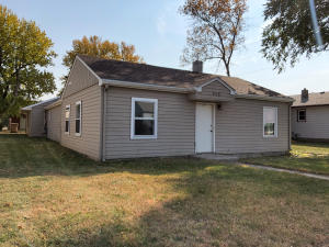 858 Mellette Ave SW, Huron, SD 57350
