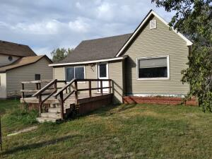 605 Third Ave S, Woonsocket, SD 57385