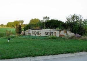 Upscale Okoboji Neighborhood