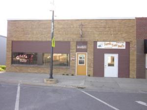 215 N MARKET Street, Lake Park, IA 51347