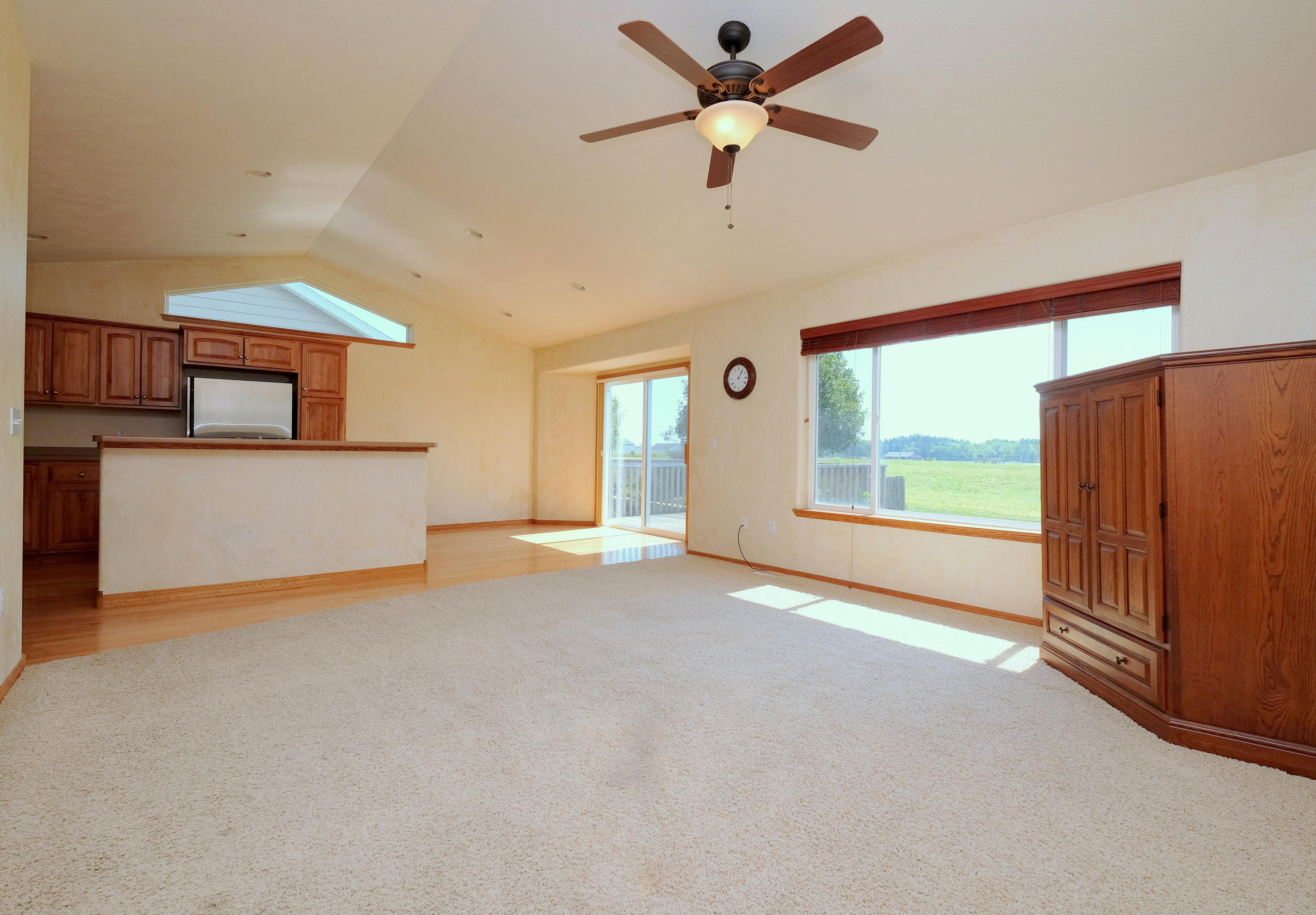 913 38th Street, Spirit Lake, IA 51360 - Realty Professionals