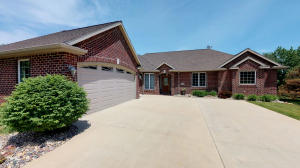 1028 Emerald Pines Drive, Arnolds Park, IA 51331