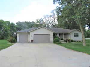 25821 168th Street, Spirit Lake, IA 51360